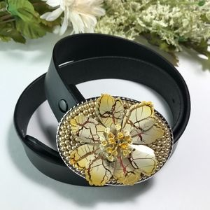 NEW Metal Flower Pearl Buckle Black Leather Belt M